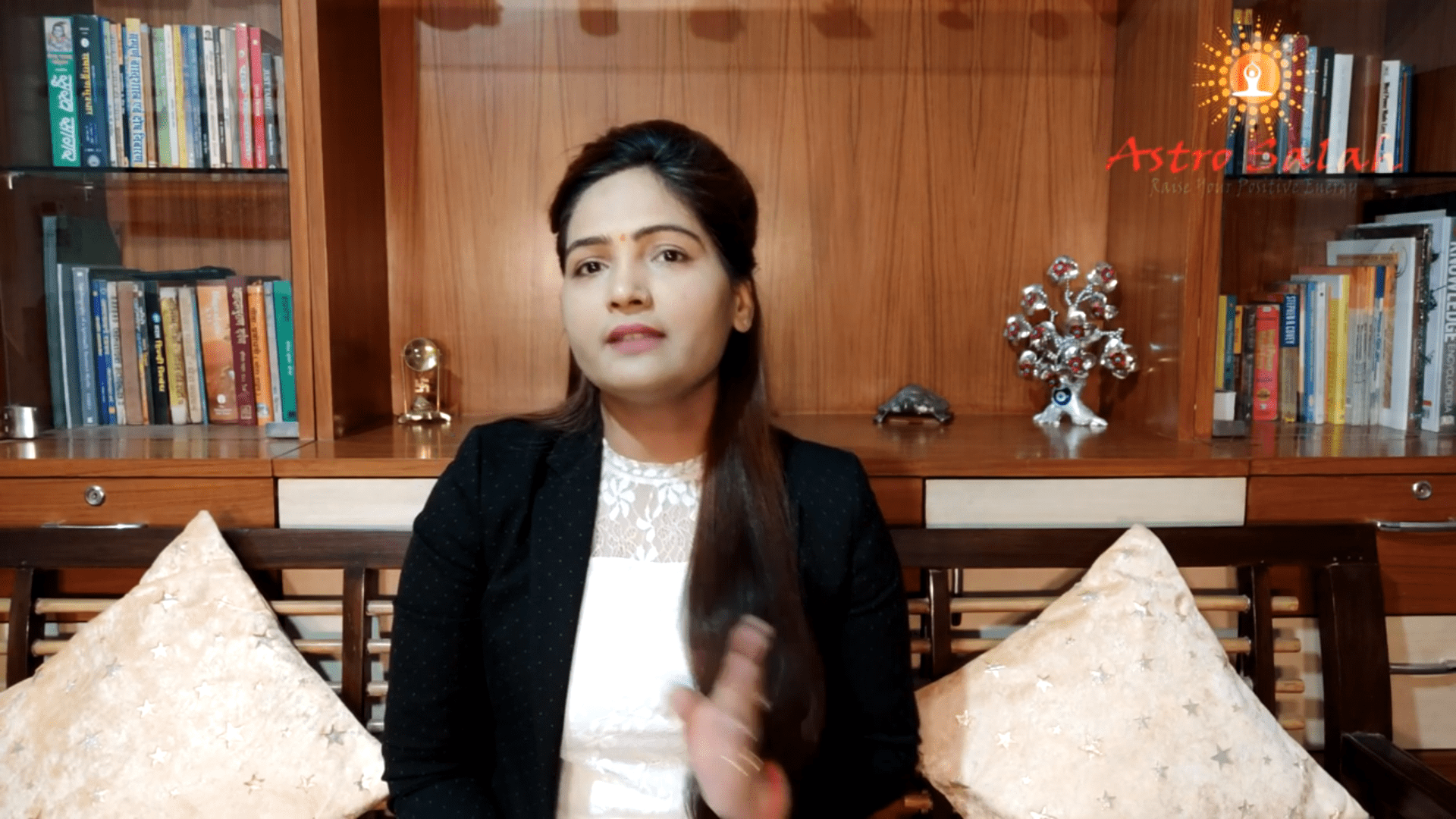 Sun Sign, Moon Sign and Name Sign Difference explained by Astrologer Shweta Singh
